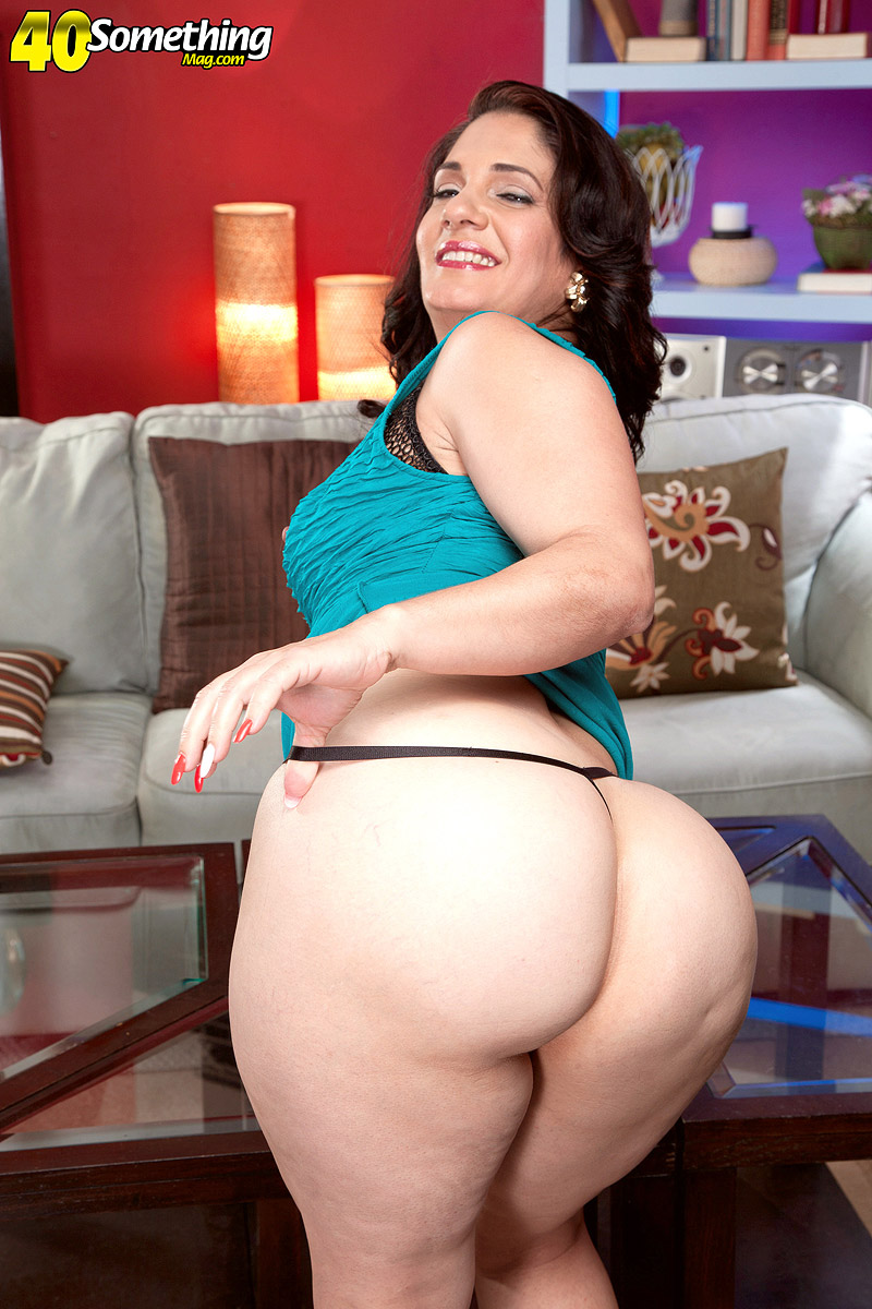 Big ass mature Sabrina Santos