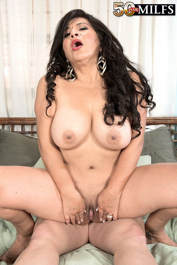 Big-assed Mexican MILF