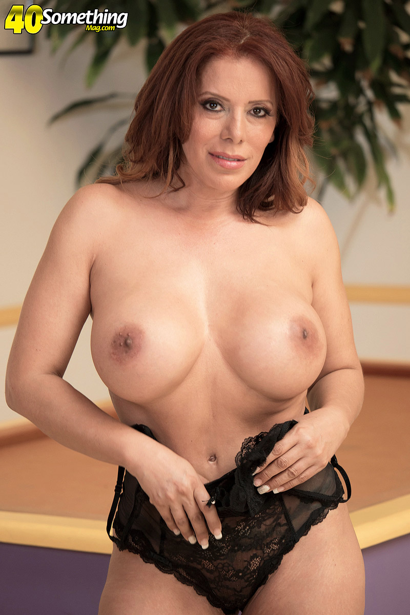 Latina mom Nicky Ferrari