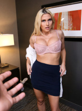 Hot MILF Christie Stevens