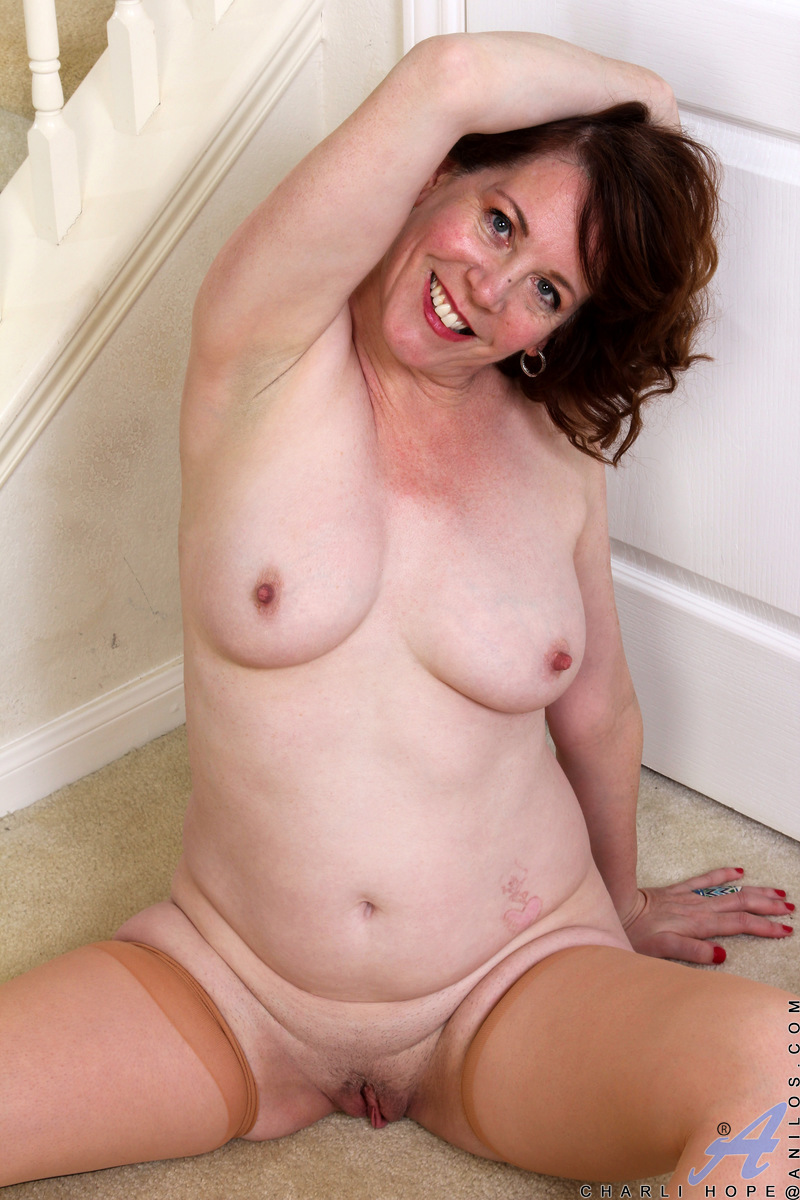 Busty mom Charli Hope