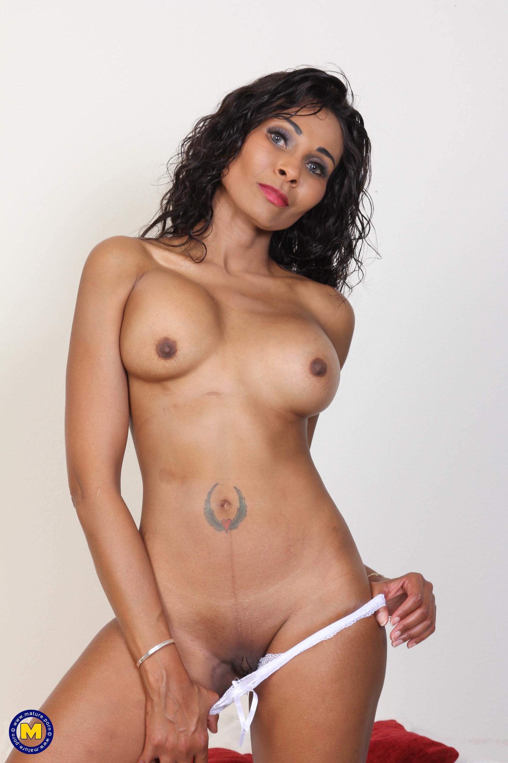 Hot Black MILF Lilly Dee