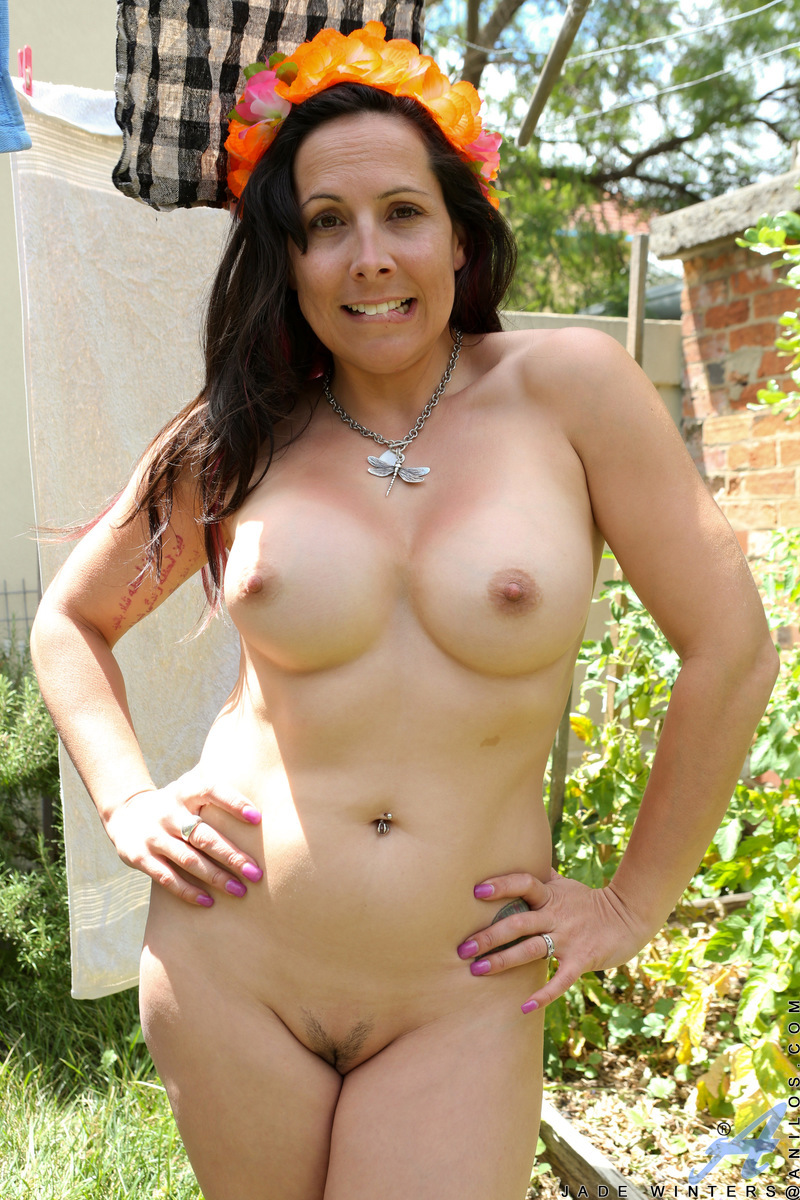Mature Jade Winters shows  huge titties  outdoors