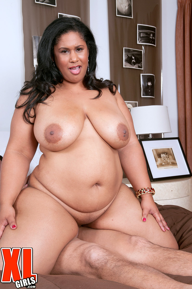 BBW mature Delilah Black