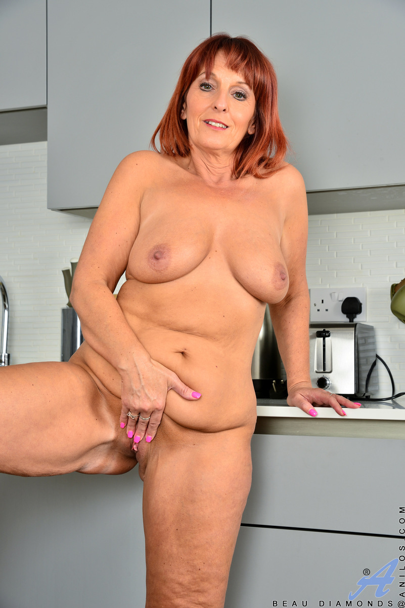 Redhead mature Beau Diamonds