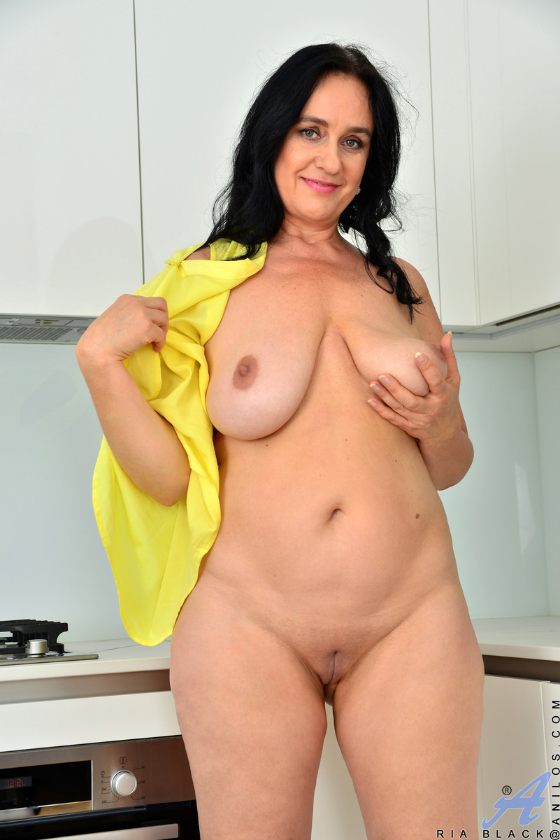 Big Boobs Mature Ria Black