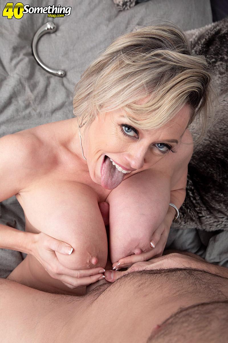Bigtit mom Dee Williams