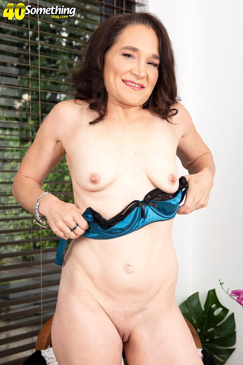 Carrie Anne Mature Porn