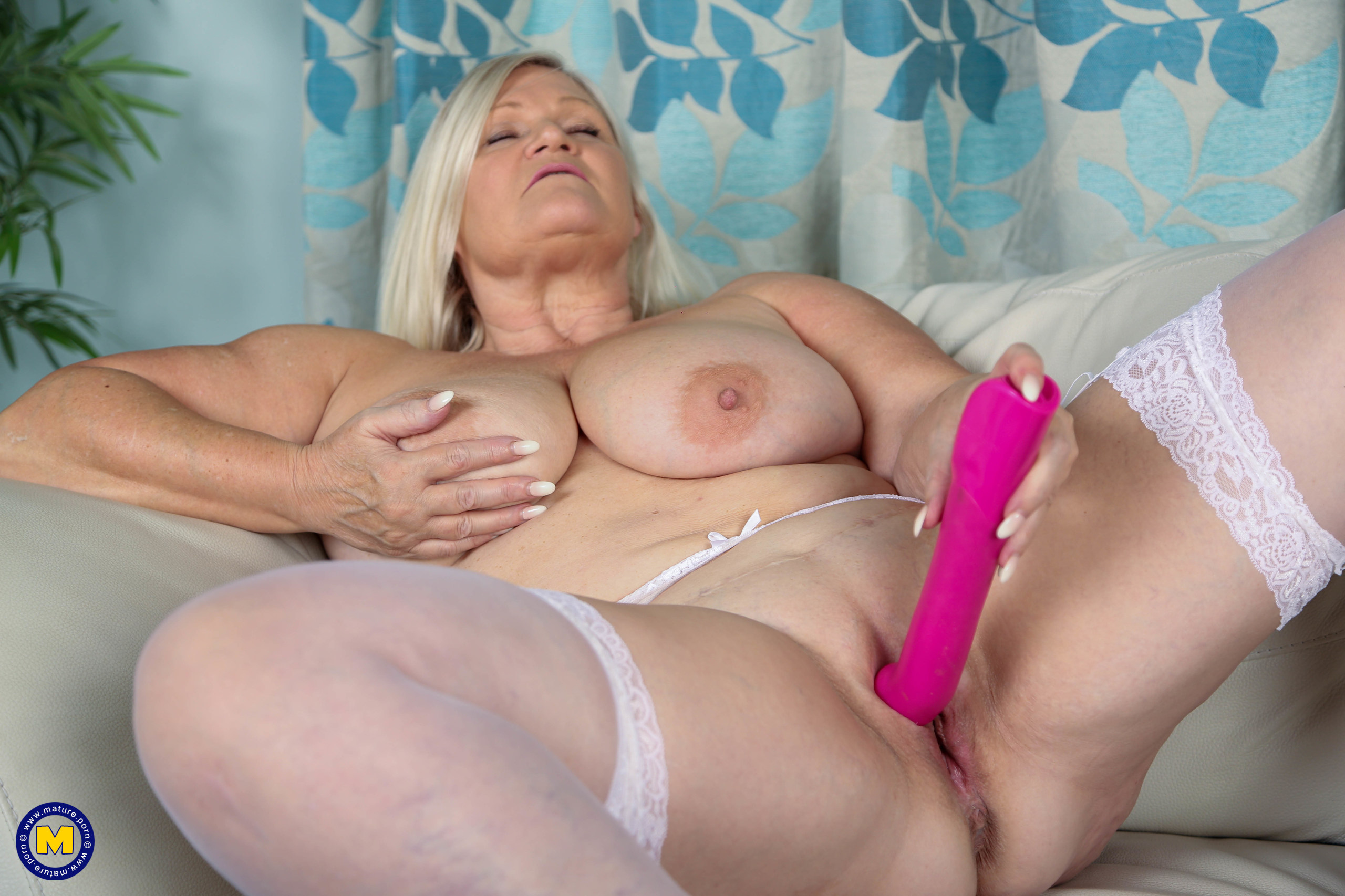 Big tits housemaid Lacey Starr