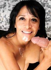 Milf Lisa stroker huge boner