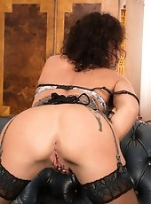 Horny Anilos panther in sheer pink underwear bangs her mature fuck hole along with her favorite sex toy